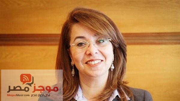 وزيرة التضامن الاجتماعى : وزير النقل يوافق على توفير سيارات كهربائية فى محطة مصر