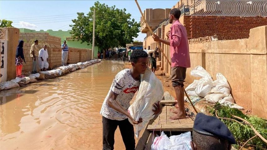 طائرة مساعدات عراقية تنطلق إلى السودان