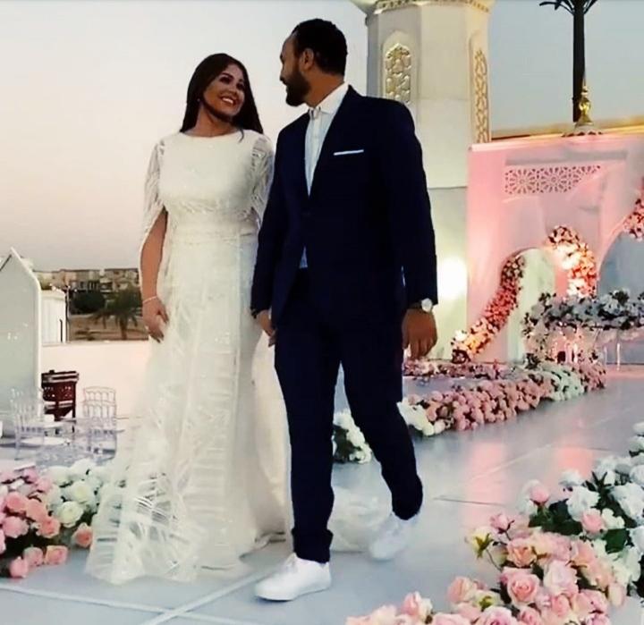 صور رومانسية كتب كتاب أحمد خالد صالح وهنادى مهنى