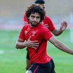 محمد محمود لاعب الأهلي يغادر المستشفى بعد جراحة في غضروف الركبة