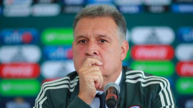 مدرب المكسيك يشيد بمدرب الجزائر قبل المباراة الودية
