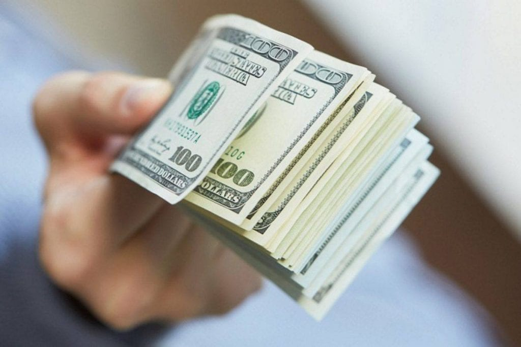 المال في المنام لابن سيرين وأخذ المال والعثور عليه والنقود الورقية في الحلم