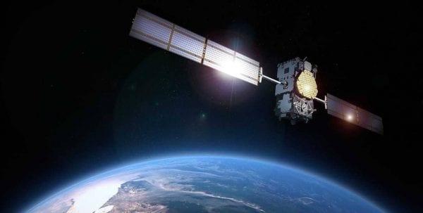 بحث عن الاقمار الصناعية كامل وأنواع الأقمار واستخداماتها