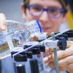 تخصص الهندسة الكيميائية وبرامجها والصفات التي تجعل المهندس الكيميائي ناجح