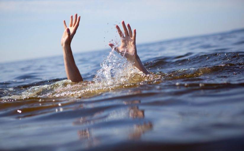 تفسير حلم السباحة في مسبح للنابلسي والعصيمي وابن سيرين