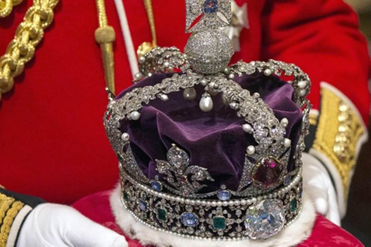 تفسير حلم رؤية الملك للمتزوجة لابن سيرين والنابلسي والإمام الصادق
