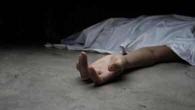 Photo of تفسير حلم رؤية الميت حي ويسأل عن شخص أو يأخذ أحدًا معه أو يزور بيته