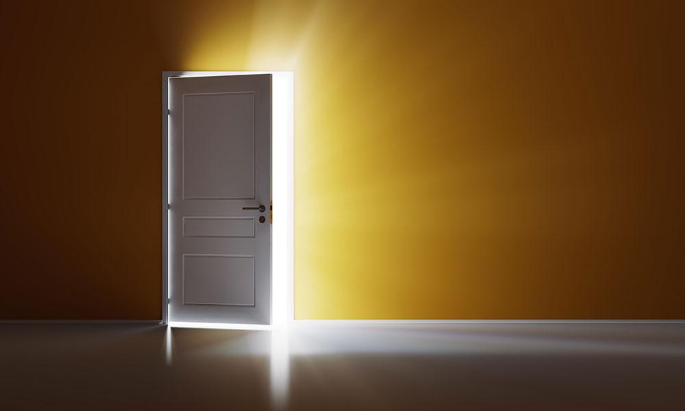 تفسير حلم قفل الباب بالمفتاح للمتزوجة والعزباء والحامل والرجل المتزوج