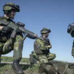 تفسير رؤية رجل يرتدي زي عسكري في المنام للرجل والشاب والمرأة