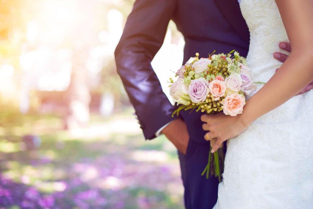 حلمت أني تزوجت وأنا أعزب لابن شاهين وابن سيرين وللإمام النابلسي
