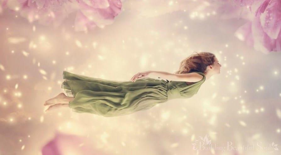 حلمت اني ارتفع عن الارض تفسير الحلم بمختلف تأويلاته