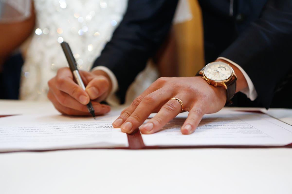 شروط زواج السعودية من أجنبي مولود بالسعودية وما هي الأوراق المطلوبة للزواج