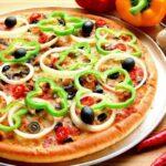 طريقة عمل البيتزا بالخضار بطرق مختلفة في المنزل