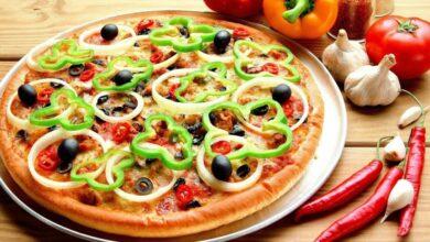 Photo of طريقة عمل البيتزا بالخضار بطرق مختلفة في المنزل