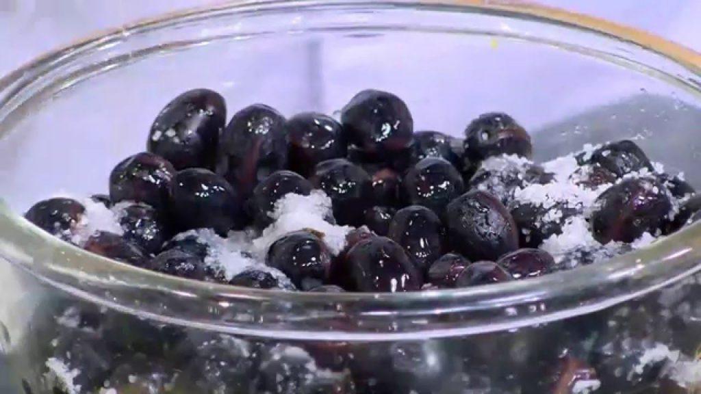 طريقة كبس الزيتون الأسود بالزيت والليمون وبالماء والخل والزيتون المجفف