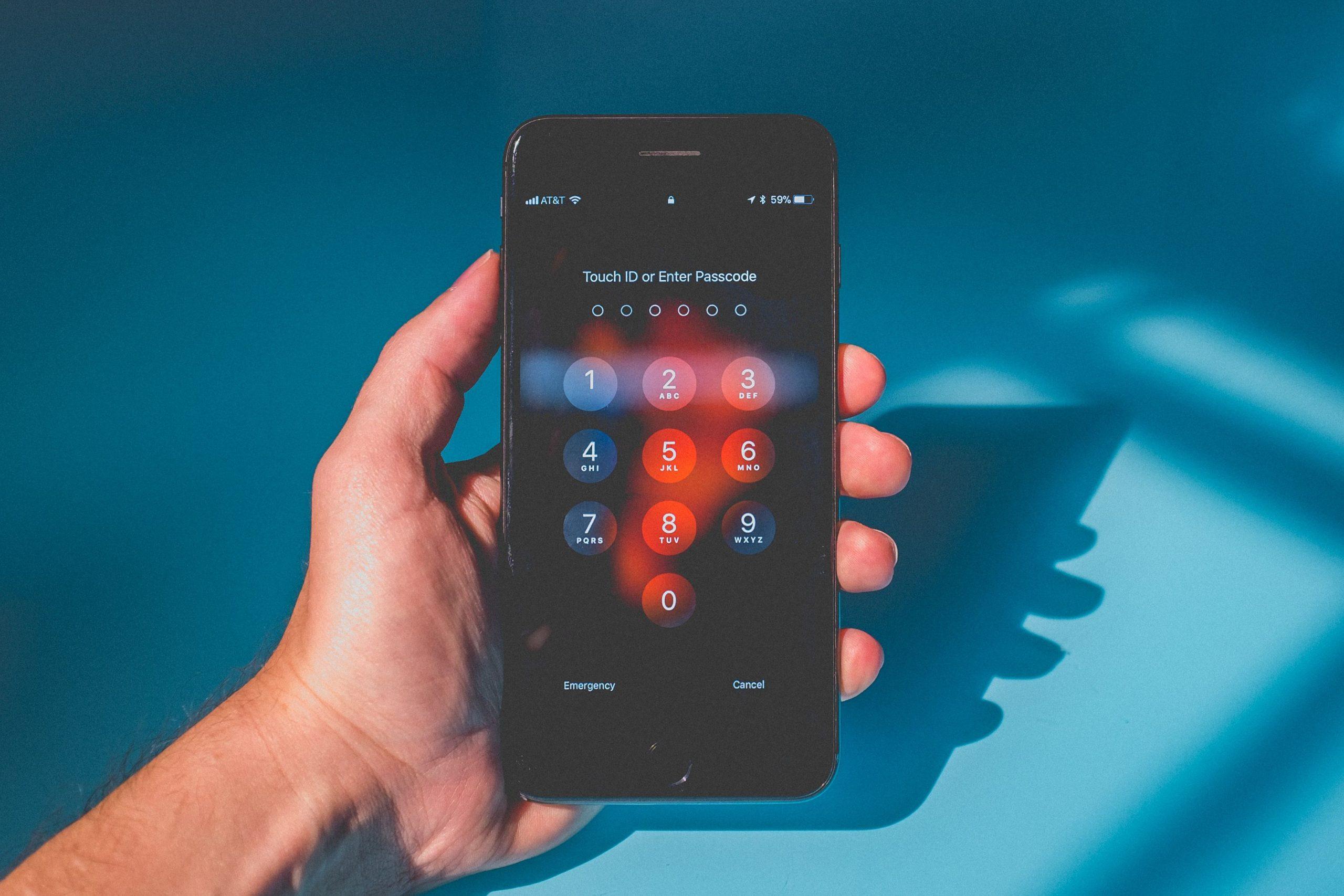 فتح قفل الايفون من دون الحاجة إلى مسح البيانات من خلال التطبيقات وغيرها