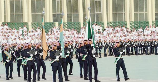 كلية الملك خالد العسكرية تخصصاتها وأهدافها ومميزاتها