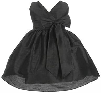 لبس الفستان الأسود في المنام للعزباء لابن سيرين والنابلسي