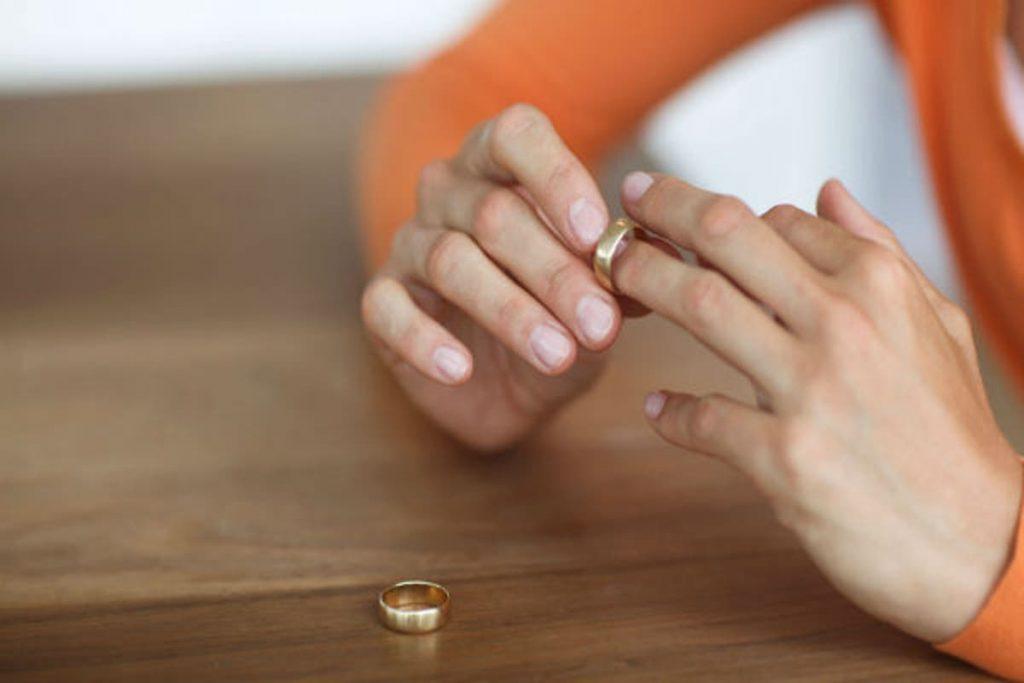 متى يكون الانفصال هو الحل وكيف تتعاملين مع أطفالك بعد الطلاق