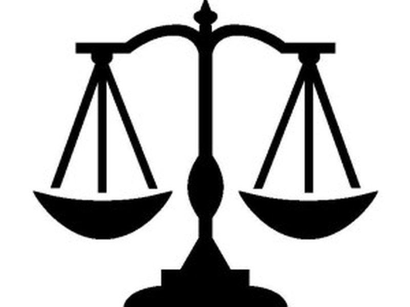 مميزات وعيوب كلية الحقوق وتخصصاتها وأقسامها