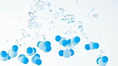 Photo of يتكون الماء من الهيدروجين كيف اصنف الماء وفق النظريات العلمية وما هي خصائص الماء وتركيبه