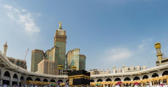 موعد أداء العمرة للمواطنين في السعودية وما هو نظام العمرة الإلكتروني على تطبيق اعتمرنا