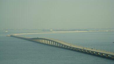 ما اسم الجسر الذي يربط بين السعودية والبحرين