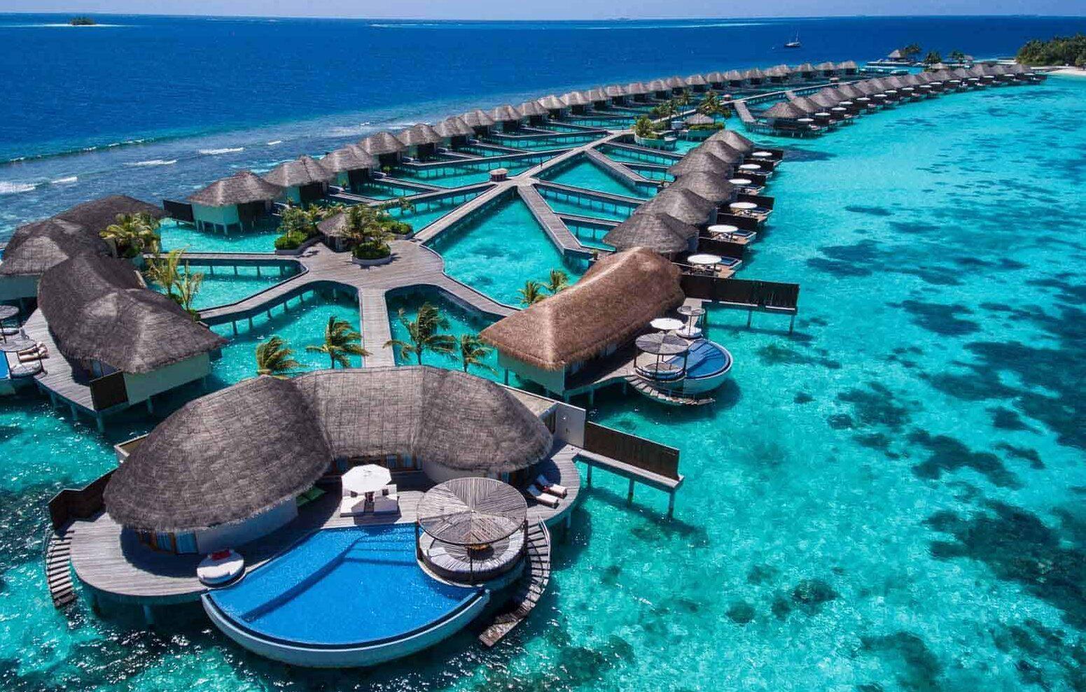 تكلفة السفر إلى جزر المالديف وسبب تسميتها وأهم المعلومات التاريخية عنها