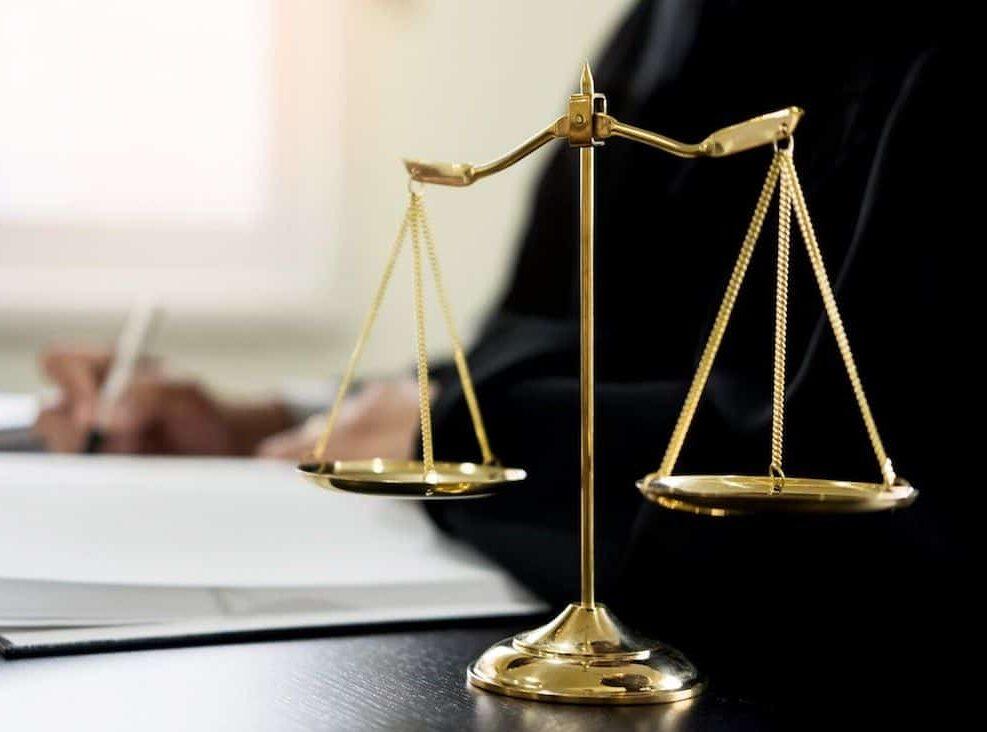 الفرق بين القانون العام والخاص وأهمية الفصل بينهم
