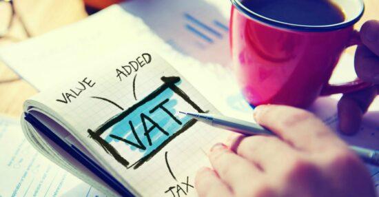 كيفية حساب الضريبة وما هي أنواع الضرائب المستحق دفعها أو استردادها من الحكومة