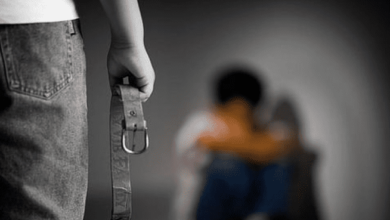 تفسير حلم ضرب الاب لابنته للمتزوجة والمطلقة والعزباء والحامل