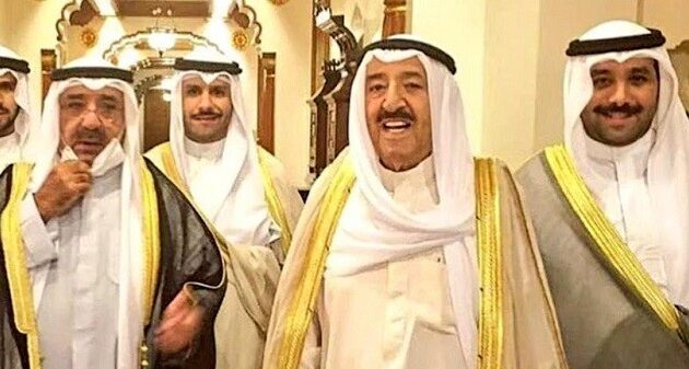 كم عدد ابناء الشيخ صباح الاحمد